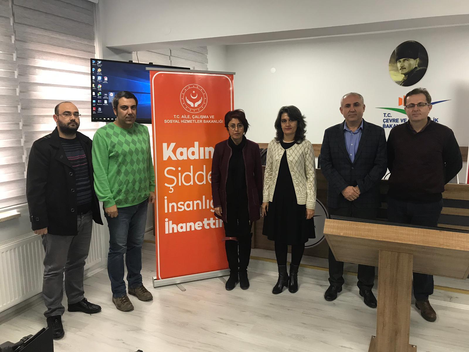 """""""MEDYADA KADINA YÖNELİK ŞİDDET"""" ELE ALINDI"""