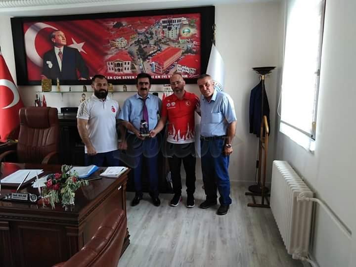 Mecitözü'lü Şampiyon Güreşçiden Veli Aylar'a Ziyaret
