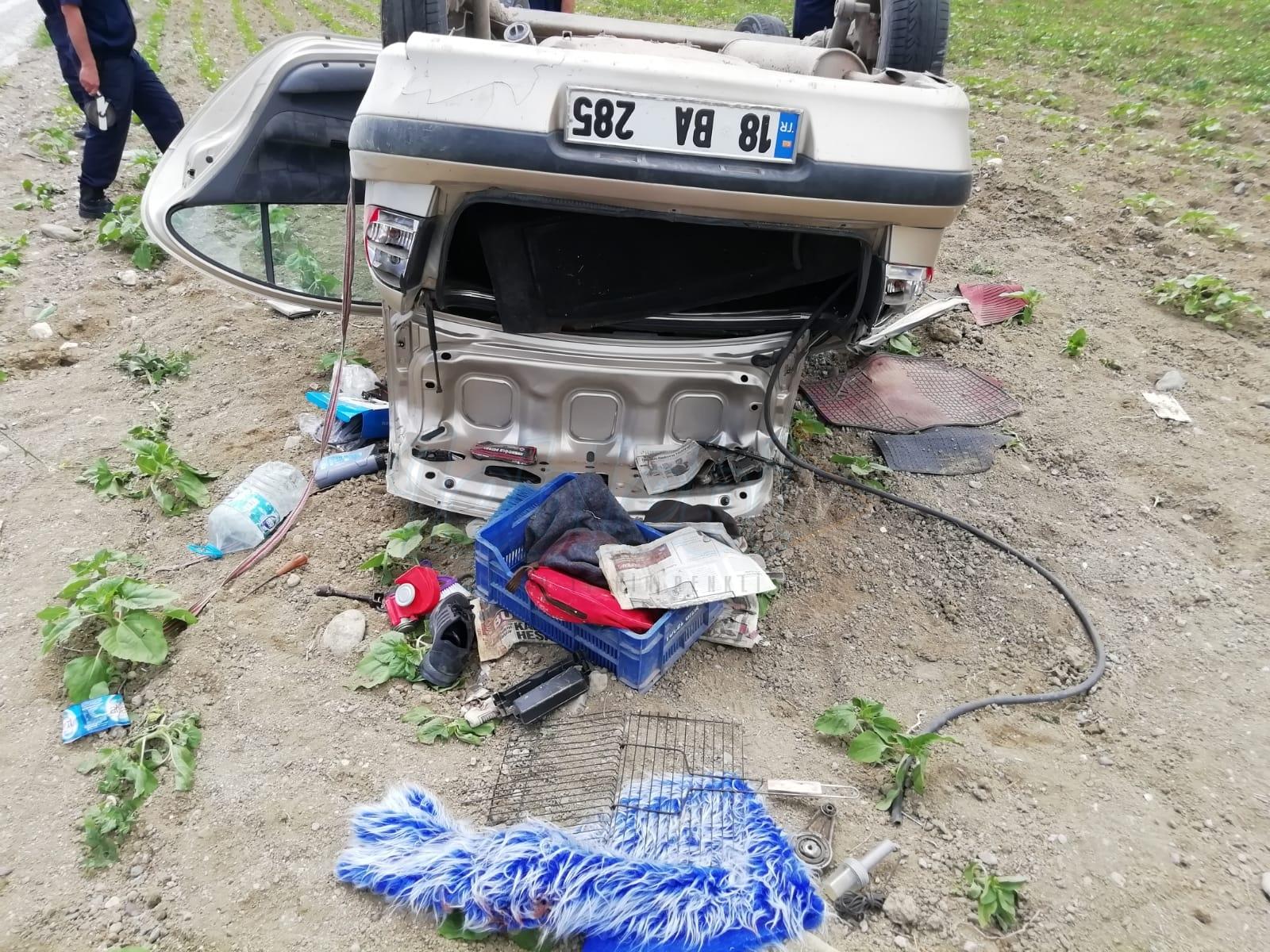 Lastiği Patlayan Otomobil Takla Attı: 1 Ölü 4 Yaralı