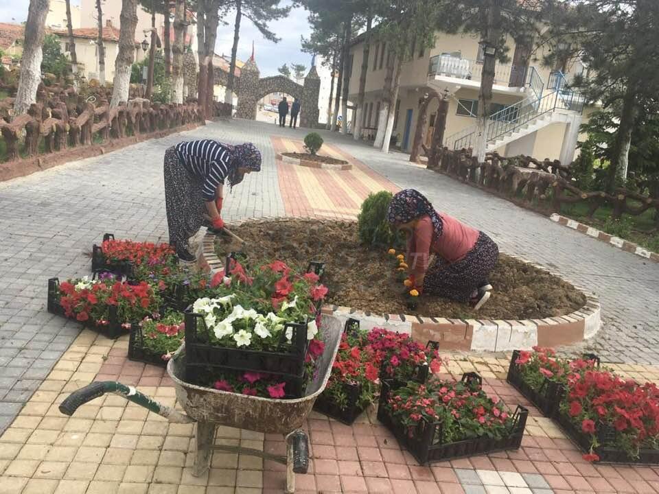 Ortaköy Belediyesi, Parkları Güzelleştiriyor