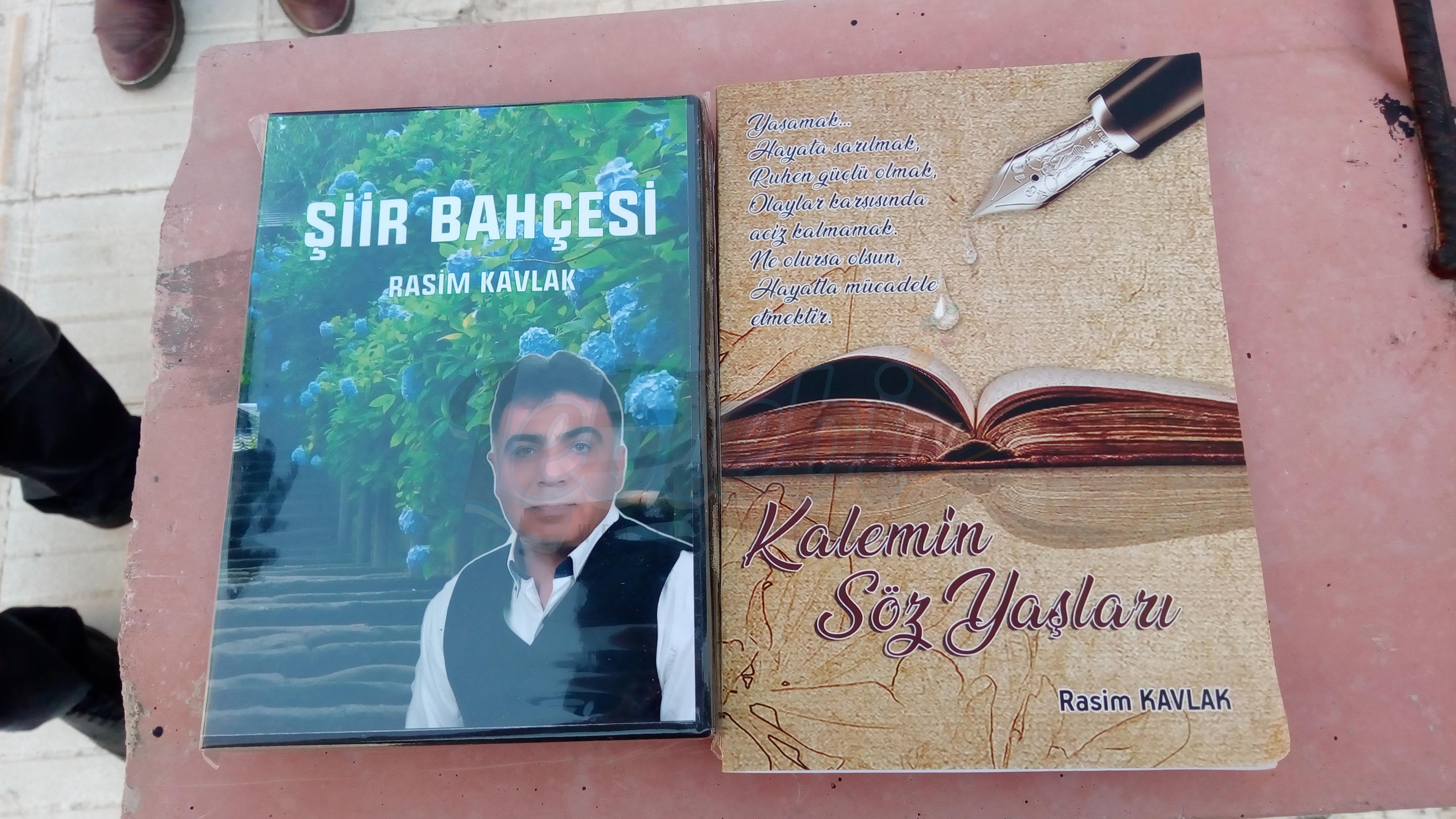Rasim Kavlak'tan Bir Kitap, Bir Şiir Albümü