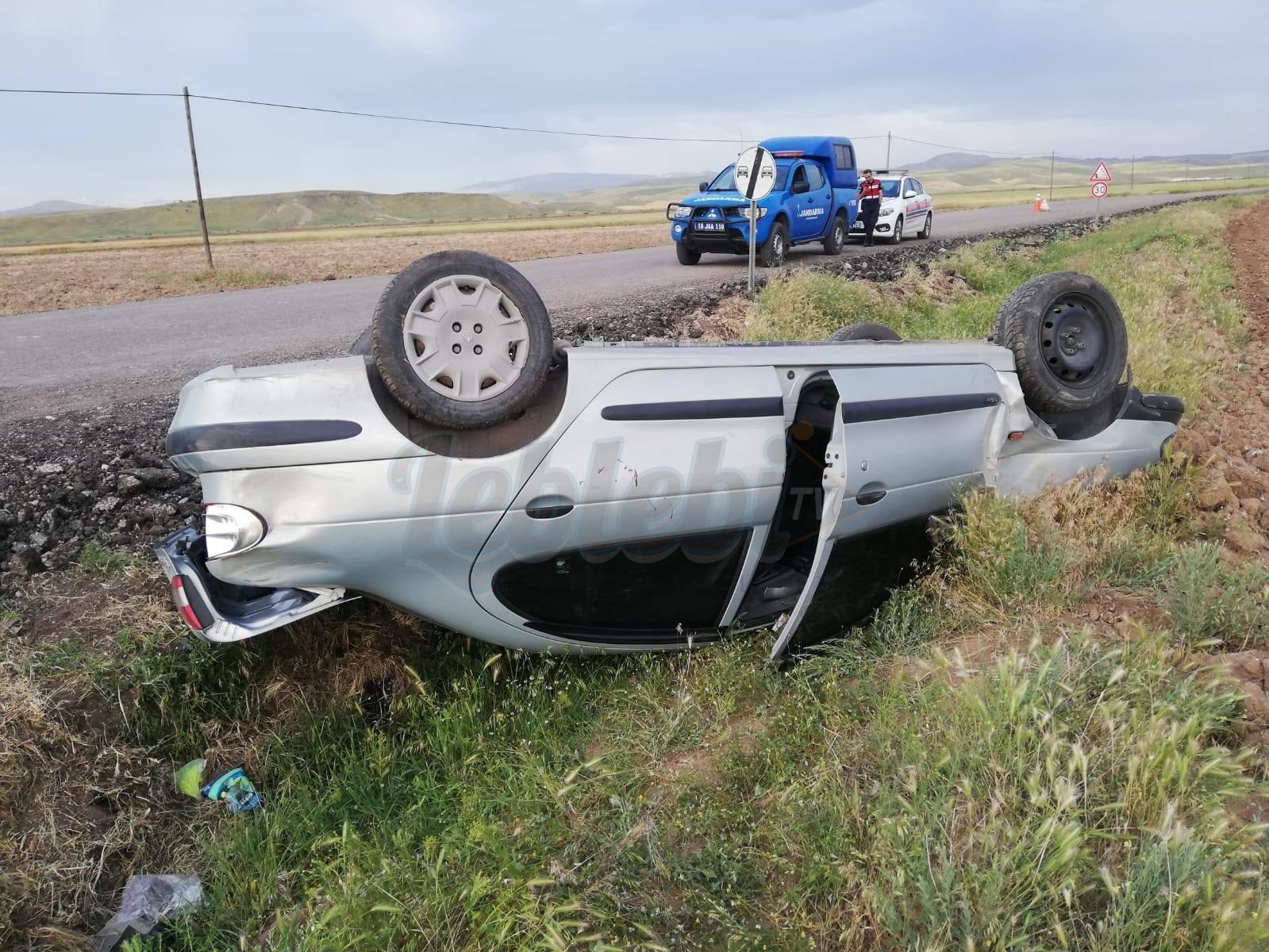Mıcıra Kapılan Otomobil Takla Attı