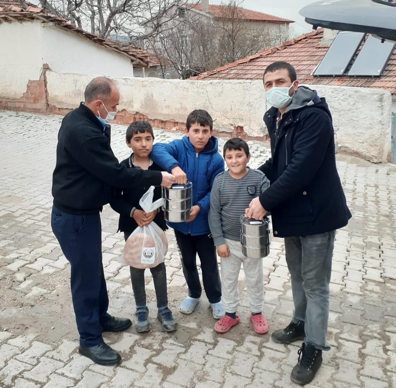 Boğazkale Belediyesinden Vatandaşa Sıcak Yemek