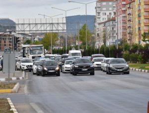 Çorum'da Bayram Dönüşü Trafik Yoğunluğu Başladı
