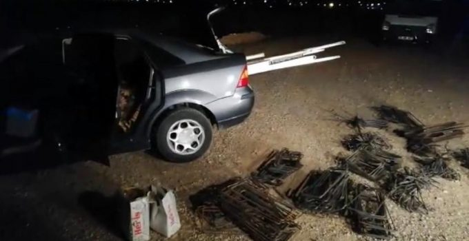Hırsızlık Zanlısı Araç Yoldan Çıkınca Yakalandı