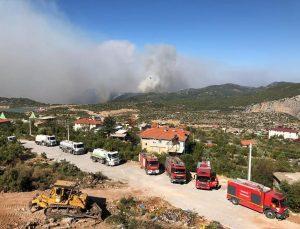 Belediye Yangın Bölgesine 4 Araç Ve 11 Personel Gönderdi