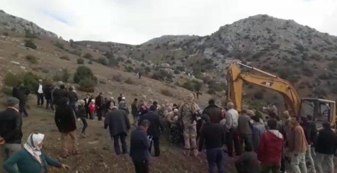 İçme Suyu İhtiyacı Köyü İkiye Böldü Çıkan Olayda Jandarmanın Müdahalesi Sert Oldu