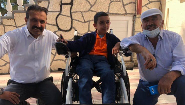 Ceylan, Verdiği Sözü Tuttu Efe Tekerlekli Sandalyesine Kavuştu