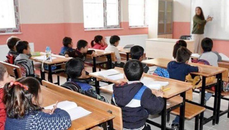 MEB'den 81 İle Yazı! Ek Ders Kitabı Aldıran Öğretmenler Şimdi Yandı